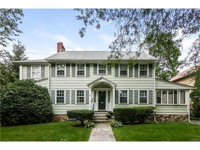 Pelham Single Family Home For Sale: 572 Manor Lane