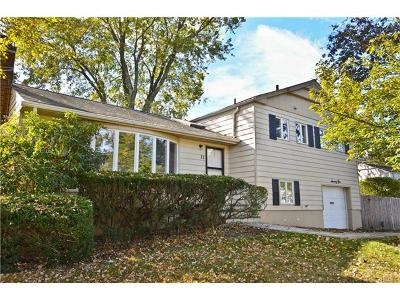 Hartsdale Single Family Home For Sale: 71 Joyce Road