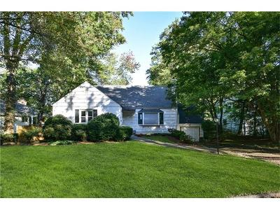 Westchester County Single Family Home For Sale: 112 Thornbury Road