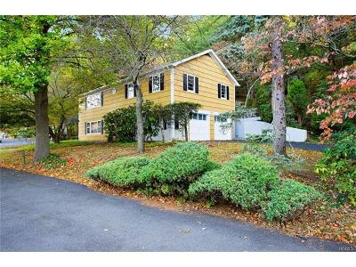 White Plains Single Family Home For Sale: 7 Overlook Court