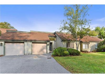 Somers Condo/Townhouse For Sale: 958 Heritage Hills #C