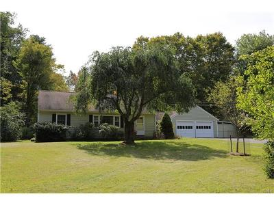 Westchester County Single Family Home For Sale: 6 Wakeman Road