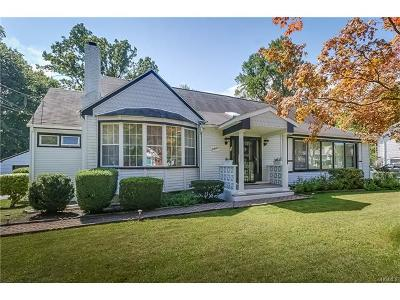 Single Family Home For Sale: 42 West Hickory Street