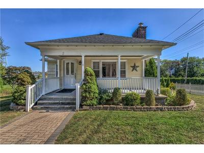 New Rochelle Single Family Home For Sale: 3 Nautilus Place