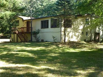 Single Family Home For Sale: 140 Camp Hill Road