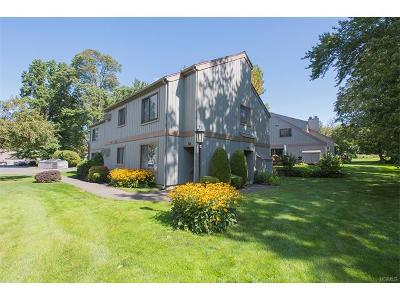 Connecticut Condo/Townhouse For Sale: 28 Acorn Lane