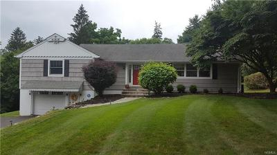 Valley Cottage Single Family Home For Sale: 328 Deer Track Lane