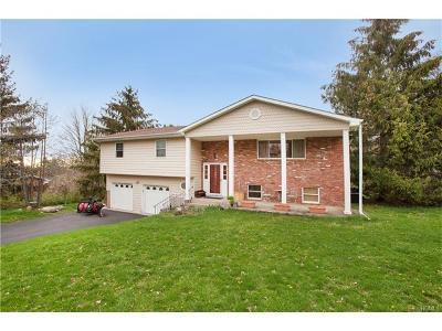Monroe Single Family Home For Sale: 3 Roanoke Drive