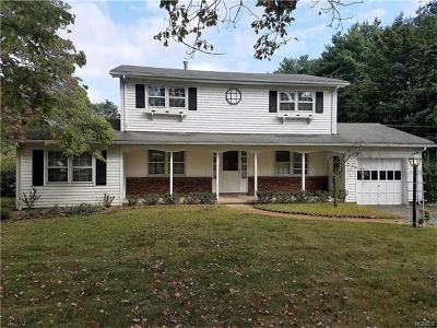 Single Family Home Sold: 286 North Little Tor Road