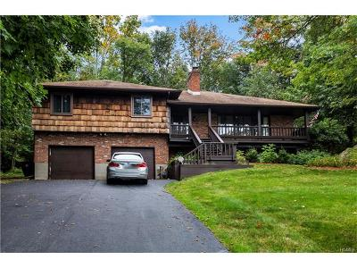 Monroe Single Family Home For Sale: 14 Roanoke Drive