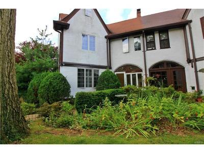 Pelham Single Family Home For Sale: 460 Esplanade