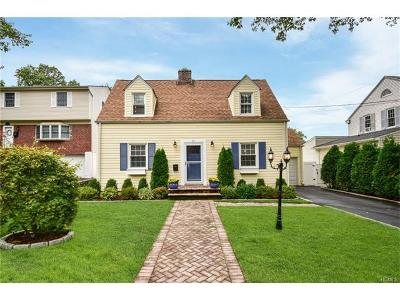 Yonkers Single Family Home For Sale: 11 Nostrand Place