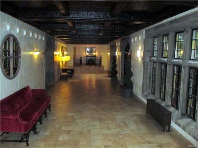 Bronxville Rental For Rent: 1 Garrett Place #1B