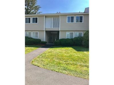 Yorktown Heights Condo/Townhouse For Sale: 504 High Meadow