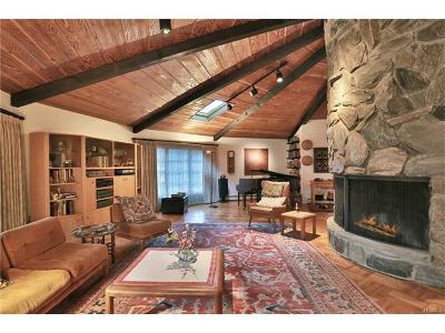 Single Family Home For Sale: 155 Pascack Road