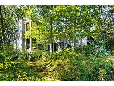 New Rochelle Single Family Home For Sale: 48 Dennis Drive