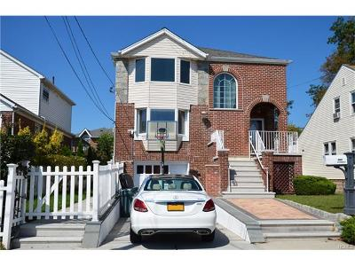Bronx NY Single Family Home For Sale: $899,000