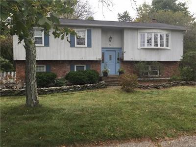 Single Family Home For Sale: 56 Lake Nanuet Drive