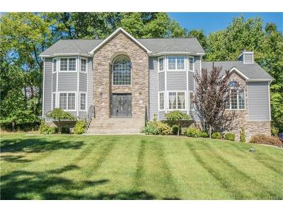 New Windsor Single Family Home For Sale: 4 Farm Hollow Road