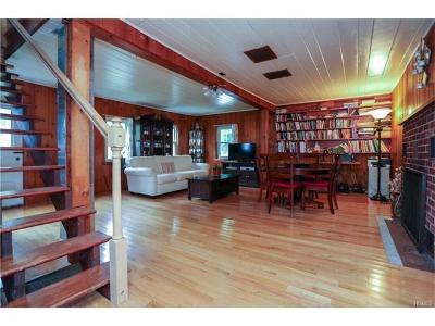 Single Family Home For Sale: 8 Camp Hill Road