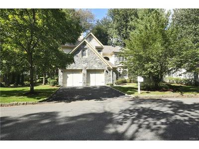 White Plains Single Family Home For Sale: 6 Westfield Circle