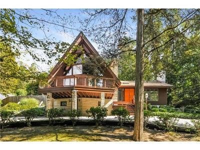 Hyde Park Single Family Home For Sale: 26 Julia Drive