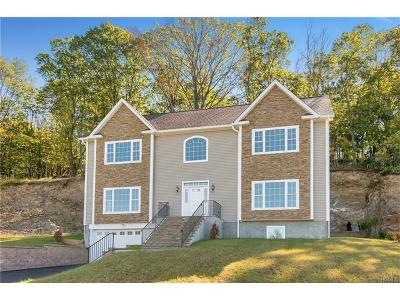 Thornwood Single Family Home For Sale: 782 Linda Avenue