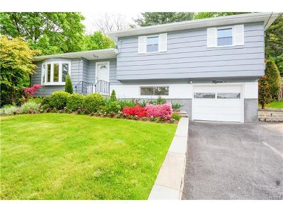 Elmsford Single Family Home For Sale: 15 Overhill Road