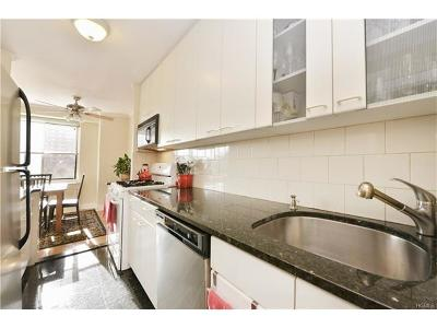 Manhattan Condo/Townhouse For Sale: 400 Central Park West #7K