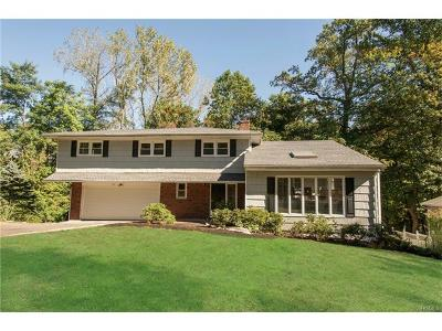 White Plains Single Family Home For Sale: 27 Baylor Circle