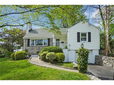 Larchmont Single Family Home For Sale: 29 Holly Place