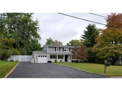 Westchester County Single Family Home For Sale: 898 Barberry Road