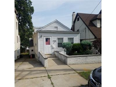 Bronx Single Family Home For Sale: 828 Hollywood Avenue