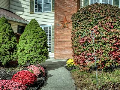 Warwick Condo/Townhouse For Sale: 54 The Rise