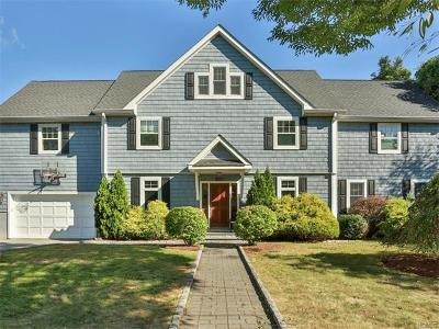 Westchester County Single Family Home For Sale: 221 Secor Lane