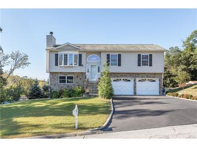Westchester County Single Family Home For Sale: 24 Sabrina Lane