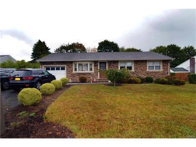 Rockland County Single Family Home For Sale: 15 Dogwood Lane