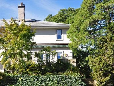 Pelham Single Family Home For Sale: 489 Carol Place