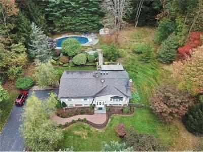 Rockland County Single Family Home For Sale: 1 North Post Lane