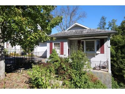 White Plains Single Family Home For Sale: 43 Chase Avenue