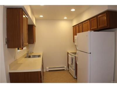 Middletown Condo/Townhouse For Sale: 39 Brittany Drive