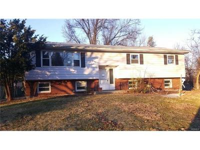 Newburgh Single Family Home For Sale: 2 Linda Drive