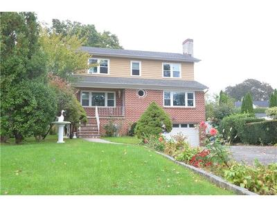 Eastchester Single Family Home For Sale: 6 Pine Circle