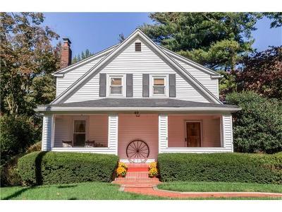 White Plains Single Family Home For Sale: 40 Woodlands Avenue