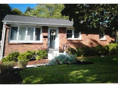 Rockland County Single Family Home For Sale: 1 Cross Street
