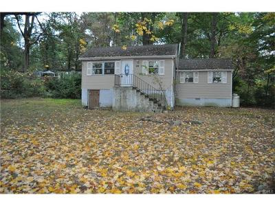 Monroe Single Family Home For Sale: 59 Orchard Trail