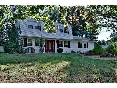 Rockland County Single Family Home For Sale: 27 Bonnie Court