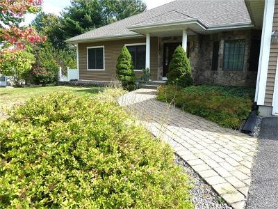 Middletown Single Family Home For Sale: 35 Ridgewood Avenue