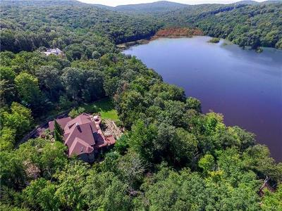 Rockland County Single Family Home For Sale: 6 Old Cranberry Road