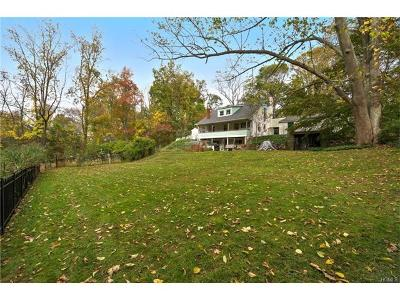 Westchester County Single Family Home For Sale: 59 Hickory Lane